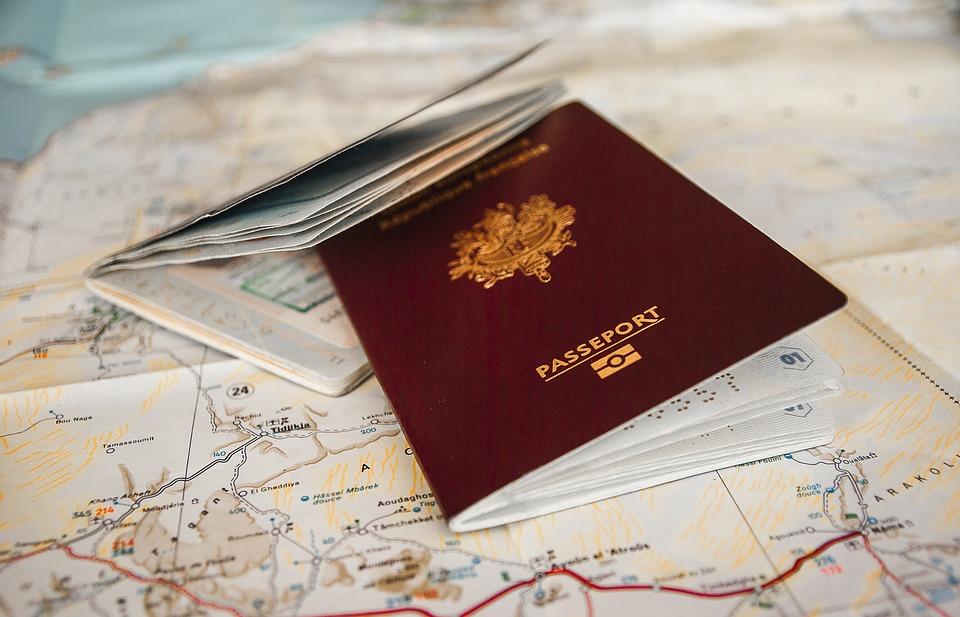 depunerea actelor pentru paşaport în Plaza România