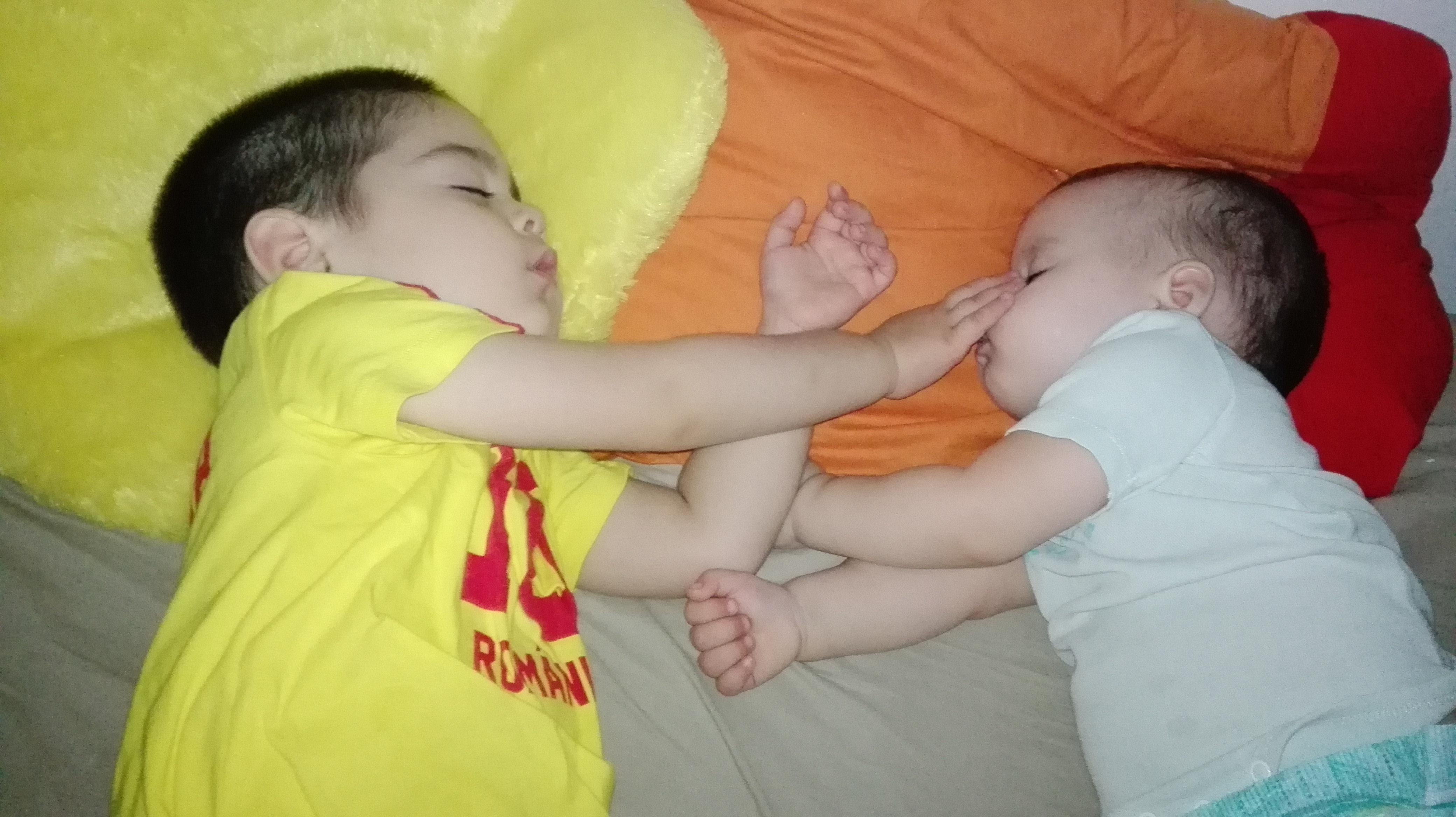 Experienţa somnului între fraţi